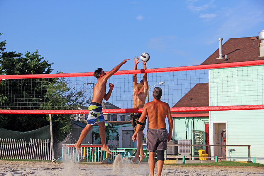 Volleyball on the Outer Banks, NC at Tortugas' Lie